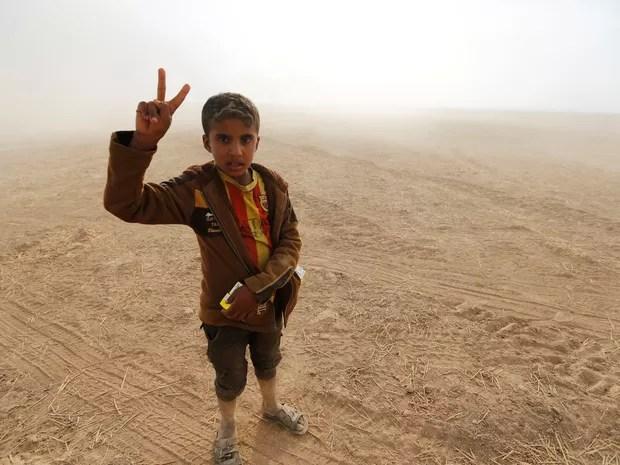 Famílias retornam a seus vilarejos ao sul de Mosul (Foto: REUTERS/Thaier Al-Sudaini)