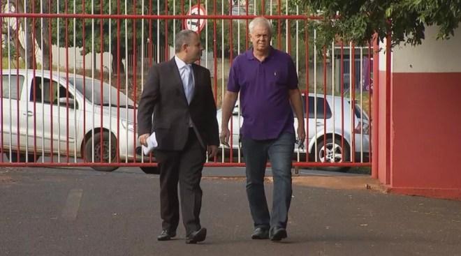Luís Donizete Prieto, conhecido como Italiano (à esquerda), presidente do América-SP — Foto: Reprodução/TV TEM
