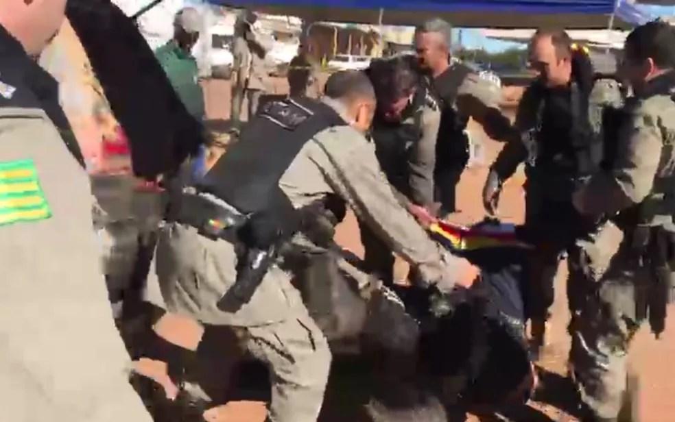 Lázaro é preso em Goiás — Foto: Henrique Ramos/TV Anhanguera