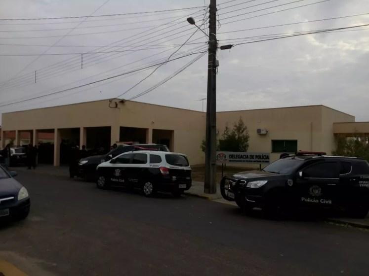 Na operação, 73 policiais civis trabalharam nesta sexta-feira (3) (Foto: Polícia Civil/Cedida)