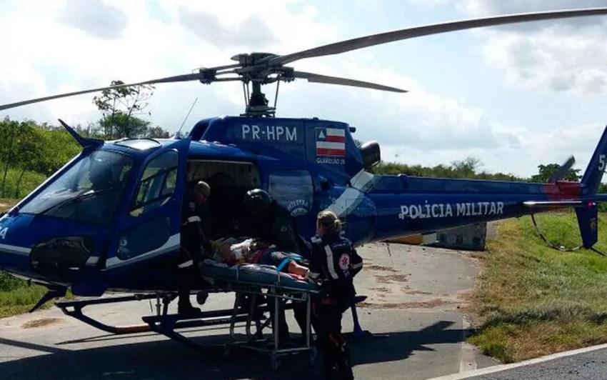Helicóptero do Graer transportou dois passageiros em estado grave (Foto: Divulgação/Graer)