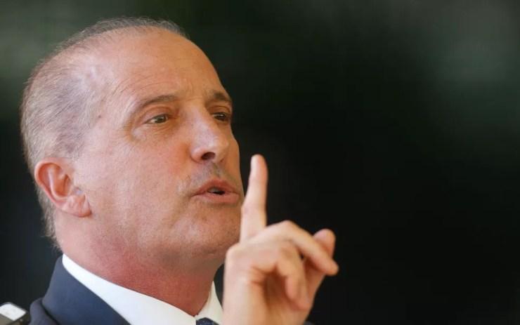 O futuro ministro da Casa Civil, Onyx Lorenzoni, durante entrevista nesta segunda (12) — Foto: Dida Sampaio/Estadão Conteúdo