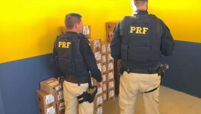 Polícia Rodoviária Federal apreende quase mil celulares na Fernão Dias — Foto: PRF/Divulgação