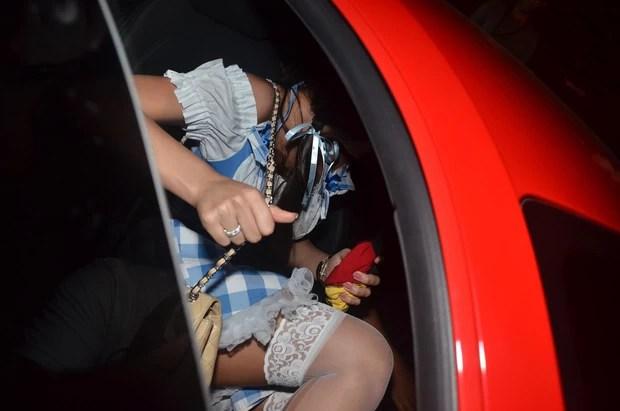 Bruna Marquezine deixa aniversário de Thiaguinho em São Paulo no carro de Neymar (Foto: Thiago Duran e Caio Duran/ Ag. News)