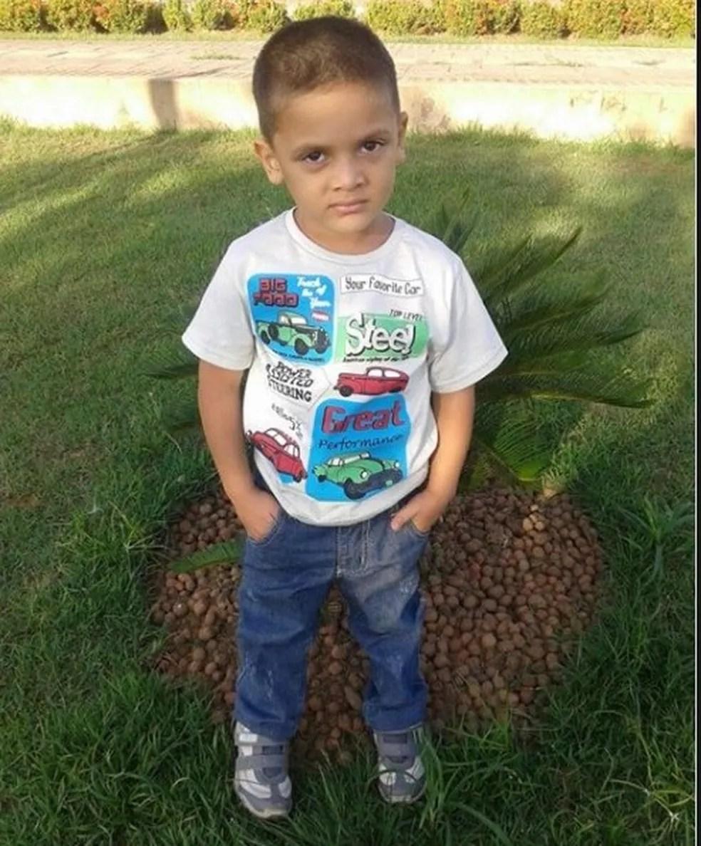 Rhuan Maycon tinha quatro anos quando saiu do Acre com a mãe, segundo avô  — Foto: Arquivo da família