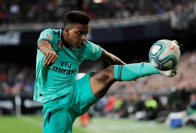 Rodrygo em ação em Valencia x Real Madrid — Foto: Susana Vera/Reuters