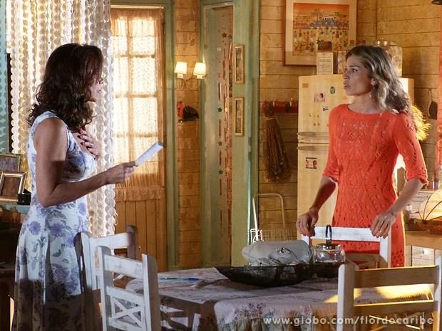 Mãe e filha aflitas encontram bilhete deixado por Samuel  (Foto: Flor do Caribe / TV Globo)