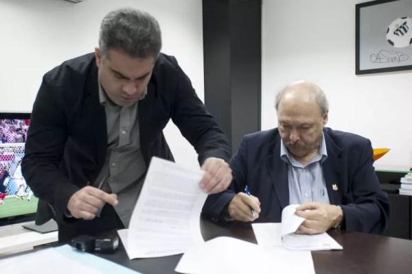 Peres tentará fazer com que Rollo renuncie nos próximos dias — Foto: Ivan Storti / Divulgação Santos FC