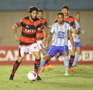 Atlético-GO x Macaé no Serra Dourada (Foto: Cristiano Borges/O Popular)