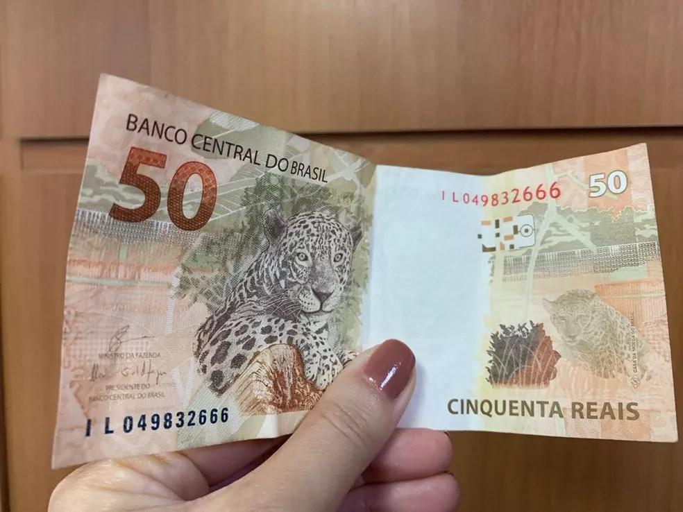 Bolsa-merenda do governo de Minas é de R$ 50. — Foto: G1 Minas