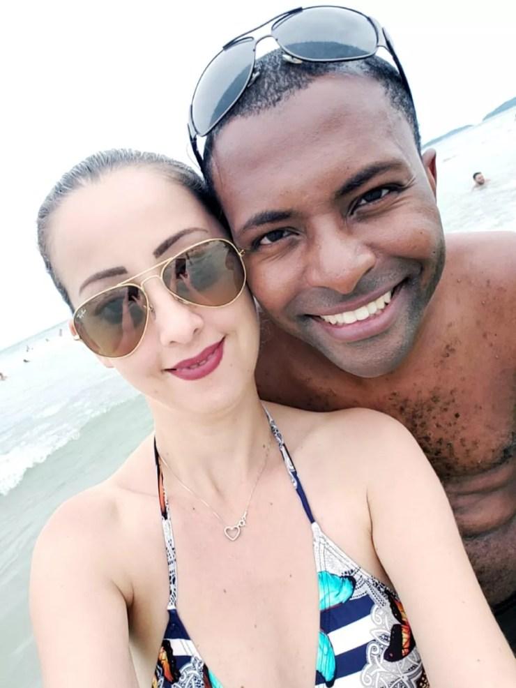 Vivian e o marido passavam as festas de fim de ano em Ubatuba quando resolveram fazer o passeio — Foto: Vivian Carolina Cataldo/ Arquivo pessoal