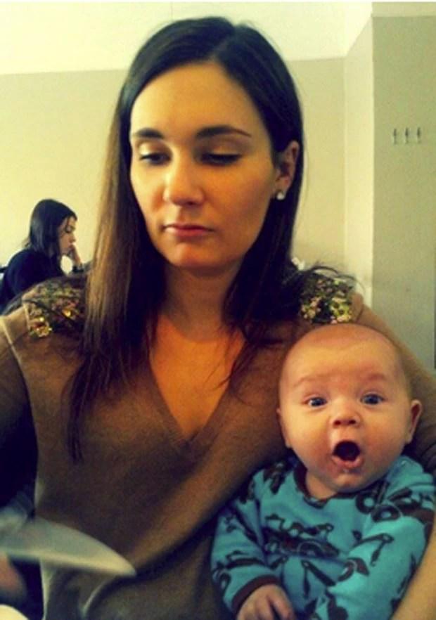 Foto mostra reação de bebê ao tomar sorvete pela primeira vez (Foto: Reprodução/Twitter/Falak Jalil)