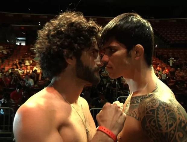 Close-up da encarada entre Charlie Brenneman e Erick Silva no UFC (Foto: Reprodução/Twitter)
