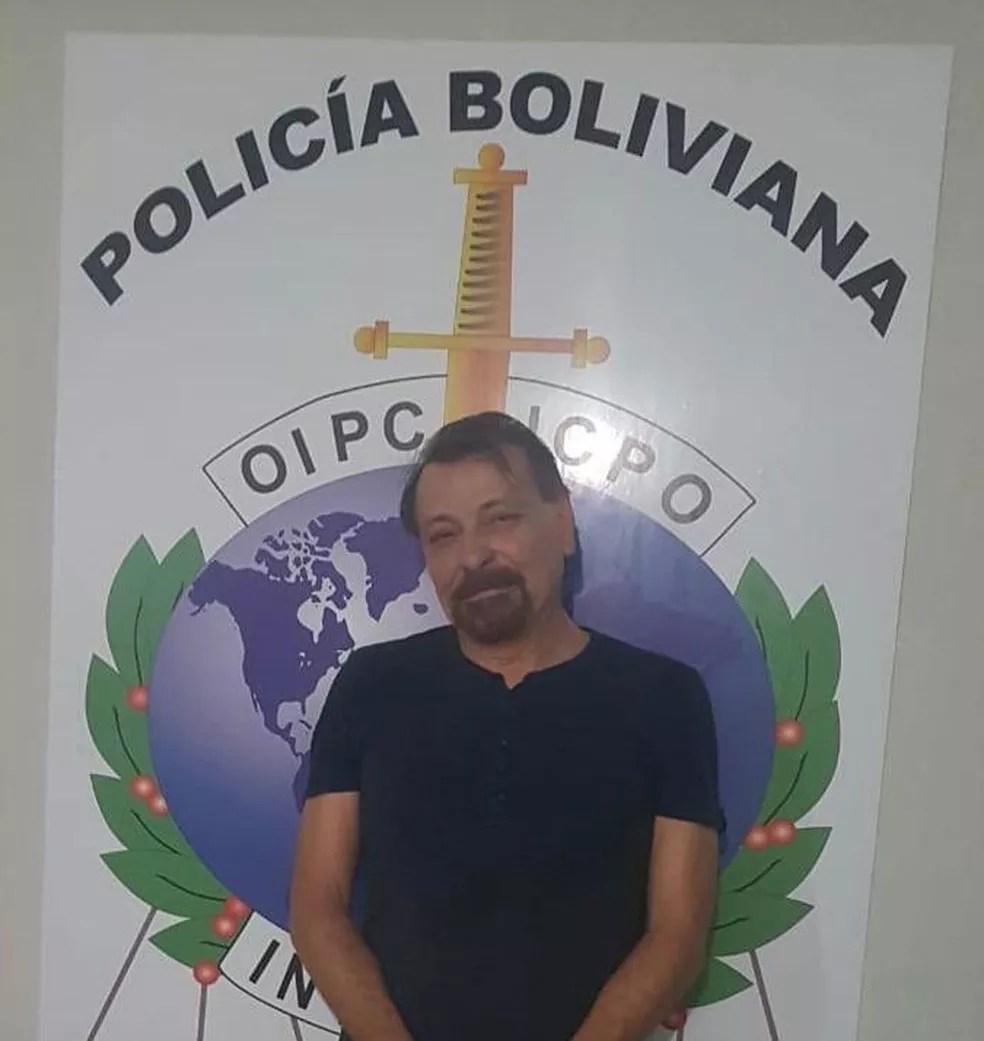 Cesare Battisti após a prisão na Bolívia — Foto: Polizia di Stato/Reprodução