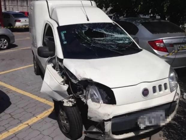 Carro da vítima foi apreendido  (Foto: Patrick Mota/ Rádio Amazonas FM)
