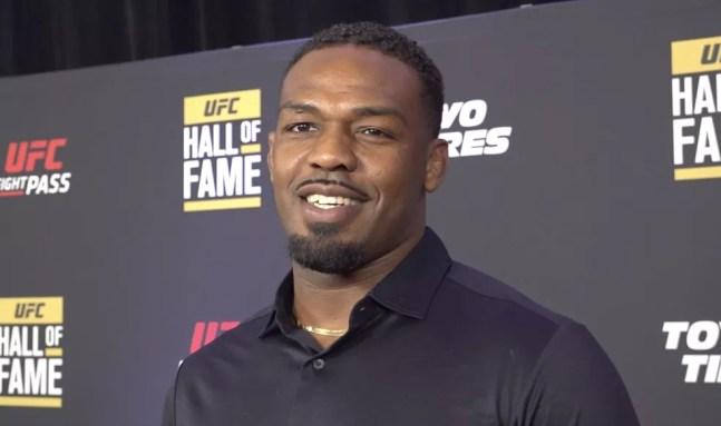 Jon Jones esteve presente à cerimônia do Hall da Fama do UFC na noite de quinta-feira — Foto: Evelyn Rodrigues