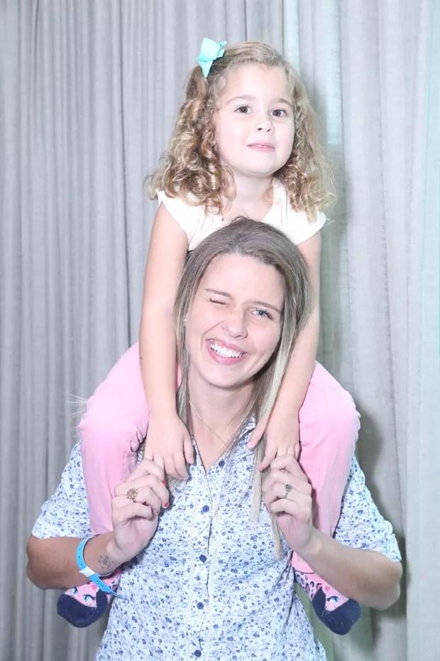 Debby Lagranha e a filha, Maria Eduarda (Foto: Anderson Borde/AgNews)