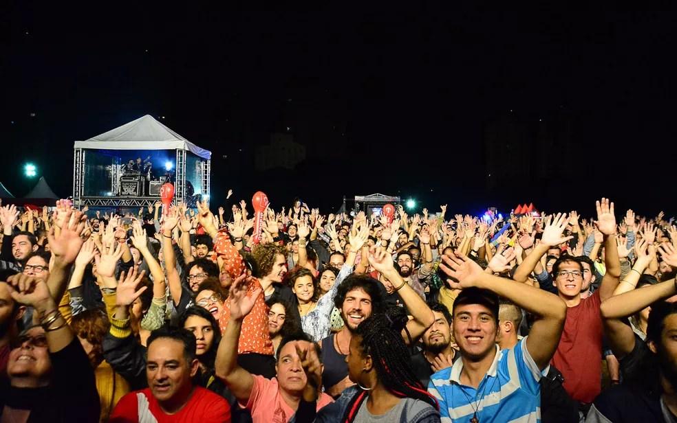 Na madrtugada deste domingo, show com Gaby Amarantos reuniu grande público na Chacara do Jockey (Foto: Ronaldo Silva/Futura Press/Estadão Conteúdo)