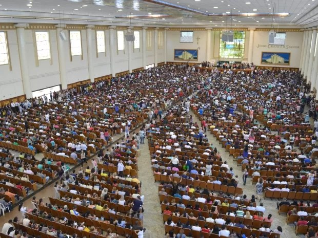 Igreja Universal ficou lotada com presença de Andressa (Foto: Divulgação/Igreja Universal)