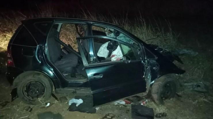 Carro e moto envolveram-se em colisão frontal na Rodovia Arlindo Béttio — Foto: Polícia Militar Rodoviária