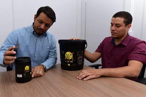 Matheus Ferraz, CEO da Reino Rural e Renato Souza, supervisor de vendas da marca (Foto: Divulgação)