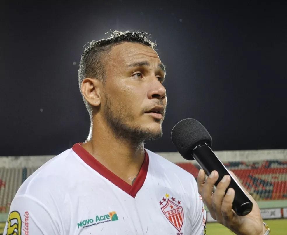 Rafael Tanque vestiu a camisa do Rio Branco em 2016 (Foto: Duaine Rodrigues)