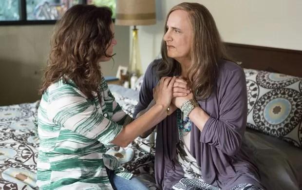 'Transparent', série em que o ator Jeffrey Tambor interpreta um transgênero, também foi indicada ao Emmy 2015 (Foto: Beth Dubber/Amazon Studios via AP)