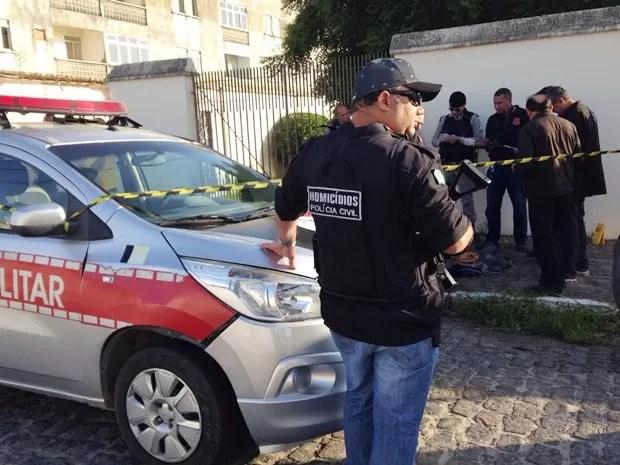 Homicídio no bairro do Cristo Redentor foi registrado por volta das 5h, mas polícia acredita ter ocorrido às 3h (Foto: Walter Paparazzo/G1)
