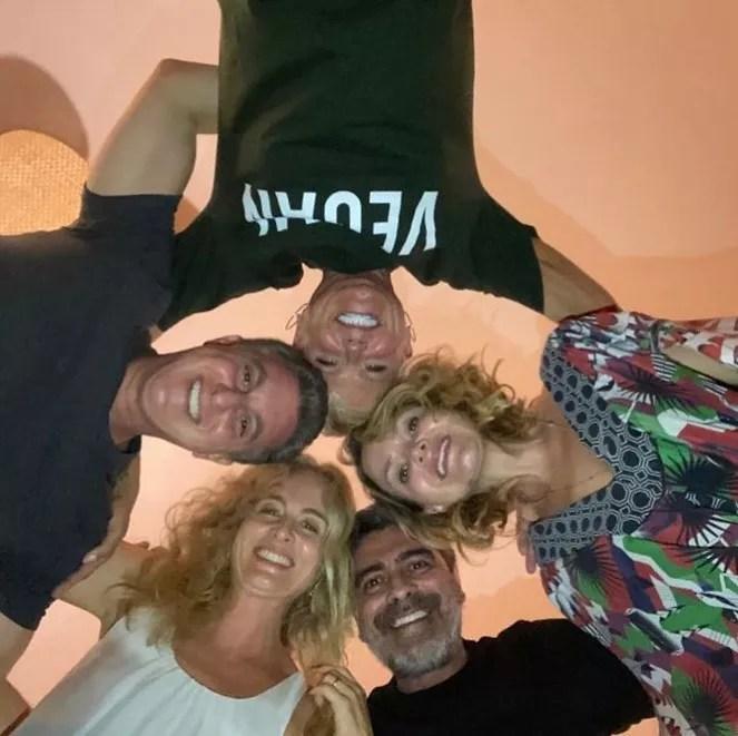 Xuxa, Eliana, Junno, Angélica e Luciano Huck (Foto: Reprodução/Instagram)