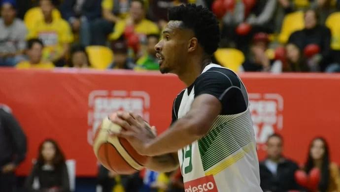 Brasil x Austrália amistoso basquete masculino Mogi das Cruzes (Foto: Cairo Oliveira)
