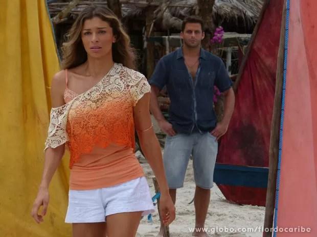 Ester vai embora e deixa Cassiano sozinho na cabana (Foto: Flor do Caribe/ TV Globo)