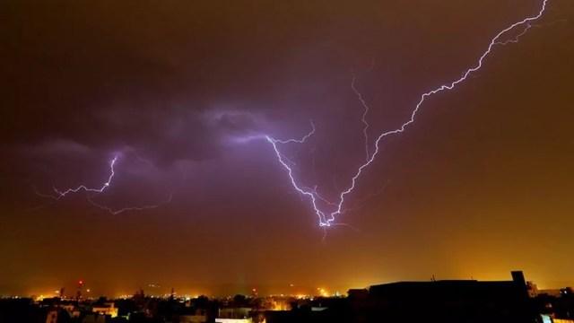 O Departamento Meteorológico da Índia disse que mortes por raios dobraram no país desde os anos 1960 — Foto: Nurphoto
