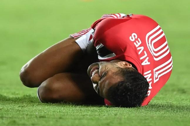 Daniel Alves sofre com uma lesão muscular desde a semana passada — Foto: Staff images /CONMEBOL