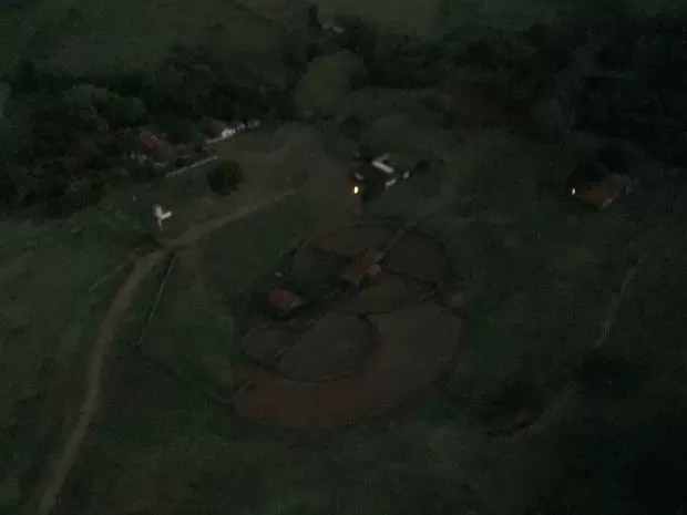 Imagem aérea de fazenda ocupada por indígenas em Antônio João (Foto: Claudia Gaigher/ TV Morena)