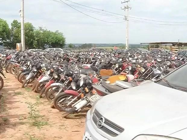 Assalto em pátio de Votuporanga (Foto: Reprodução/TV TEM)