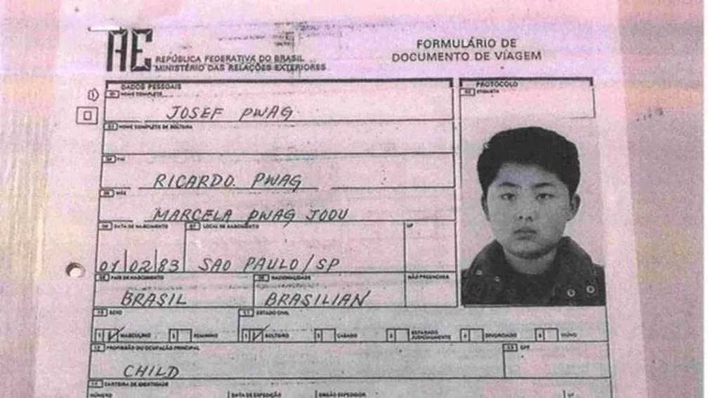 Formulário em nome de Josef Pwag para emissão de passaporte: agência Reuters diz que documento foi usado pelo líder norte-coreano Kim Jong-un para pedir vistos e viajar (Foto: BBC)