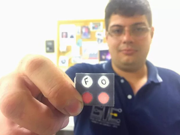 Thiago Miguel, douturando em Química, um dos pesquisadores que desenvolveu método de identificação de uísque falso, em Goiás (Foto: Murillo Velasco/G1)