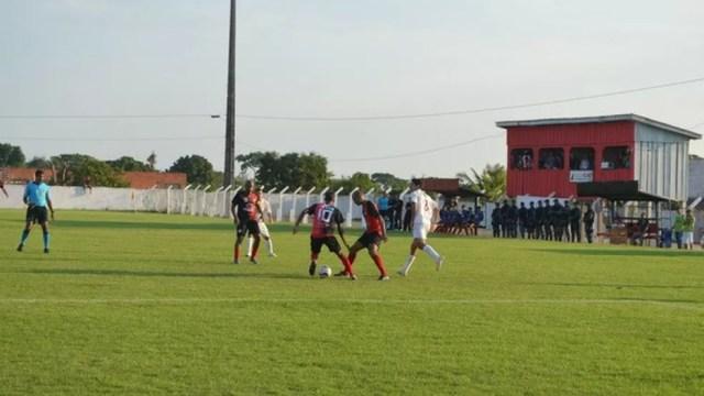 Pimentense vence Santos em casa e está de volta à elite do Rondoniense 2013 — Foto: Paula Casagrande