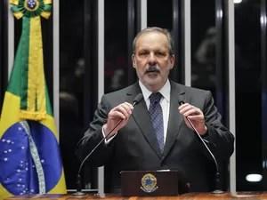 monteiro senado - Nove ex-ministros de Dilma devem julgá-la no plenário do Senado; Confira nomes