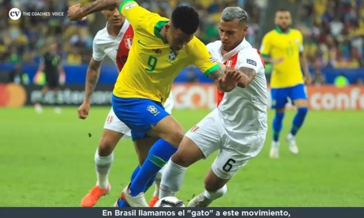 """Em vídeo, Tite explicou lance de Gabriel Jesus contra Trauco na final da Copa América — Foto: Reprodução """"The Coach Voices"""""""