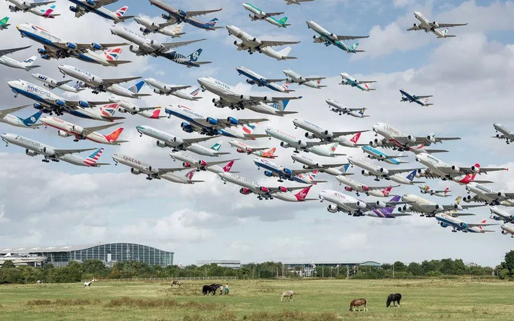 Aviões no aeroporto de Heathrow (Foto: Mike Kelley)