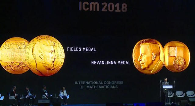 Cerimônia no Riocentro para entrega do prêmio na manhã desta quarta-feira (Foto: Reprodução/TV Globo)