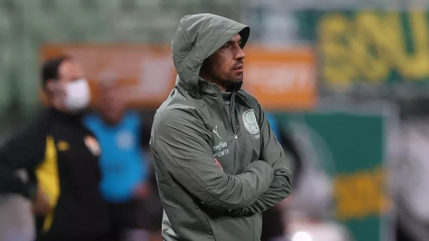 Abel Ferreira durante o jogo contra a Inter de Limeira — Foto: Cesar Greco\Palmeiras