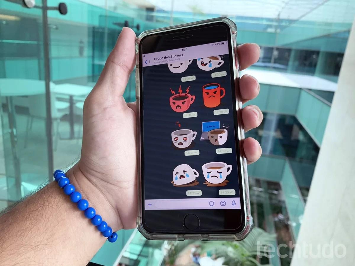 Como Mandar Figurinhas Stickers No WhatsApp Para IPhone