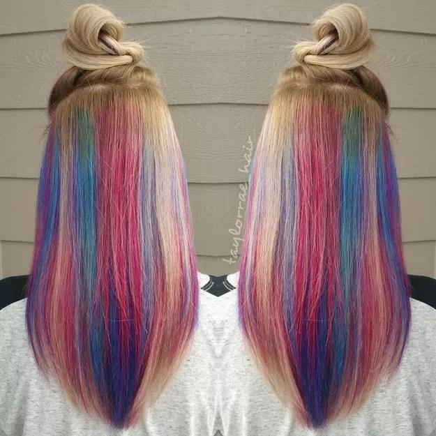 Luzes secretas Mulheres tingem o cabelo de arcoris sem