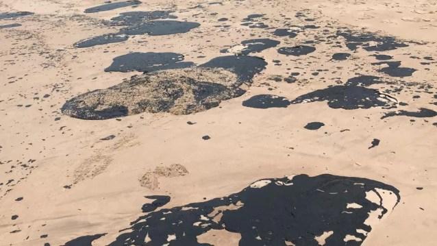 Das localidades afetadas, a praia de Guarajuba, em Camaçari, é a que tem o pior estado na região metropolitana de Salvador  — Foto: Itana Alencar/G1 BA