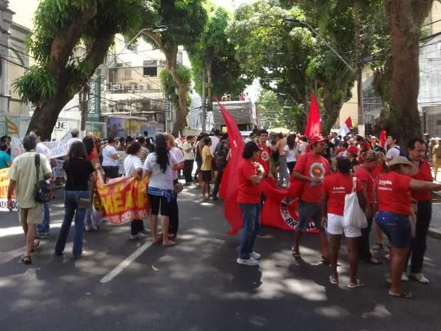Passeata seguiu da avenida Nazaré até a Praça da República (Foto: Ingo Muller/G1)