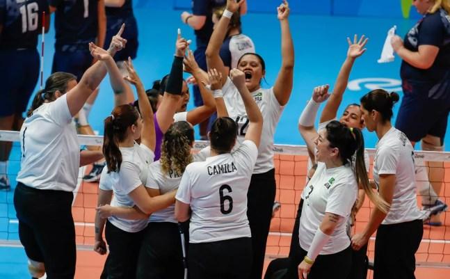 Time feminino do Brasil ficou com o bronze na Rio 2016 — Foto: Marcelo Régua/MPIX/CPB