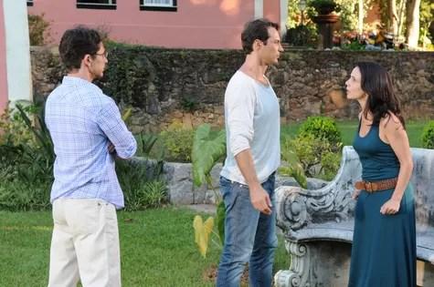Miriam Freeland e Fernando Pavão em cena de 'Máscaras' (Foto: Michel Angelo/Record)