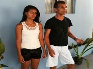 Thalita e o pai (Foto: Anna Lúcia Silva/ G1)